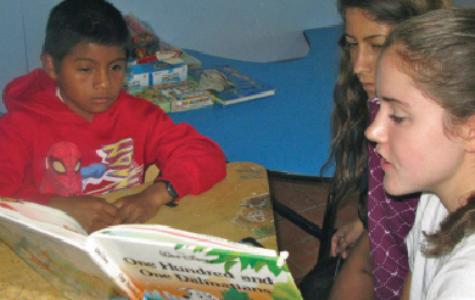 Students volunteer in Costa Rica