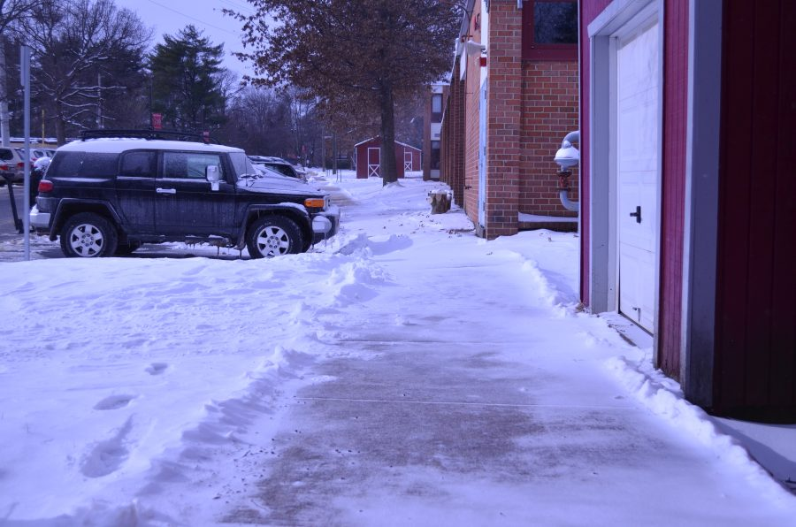 Icy+sidewalks+greeted+students+as+they+arrived+at+school.+%28Photo+by+James+Carver%29
