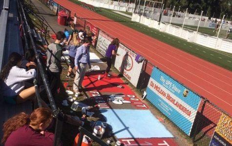 Seniors paint the track