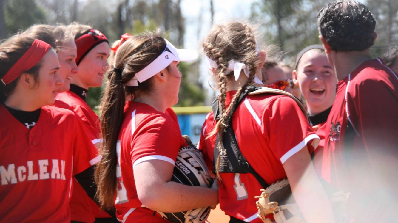 Varsity softball leads off a great season – The Highlander