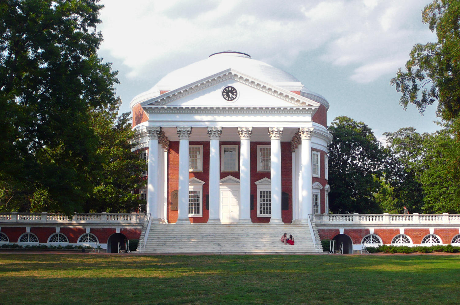 The University of Virginia will be hosting the 38th VAMUN conference.