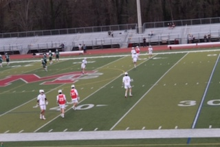 McLean+varsity+boys+practice+before+the+game+begins+at+7%3A45+against+their+rivals.