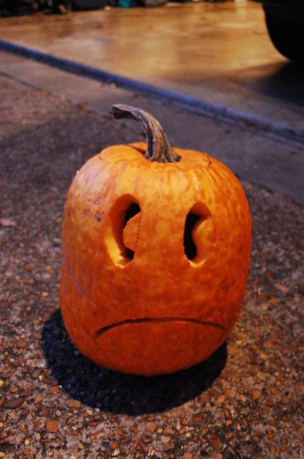 This carved pumpkin perfectly symbolizes how students feel the morning after Halloween. (photo obtained via Flickr under a Creative Commons license)