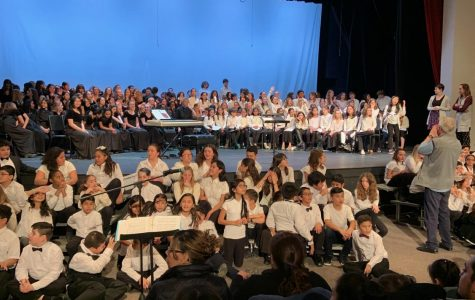 Chorus students get ready to perform