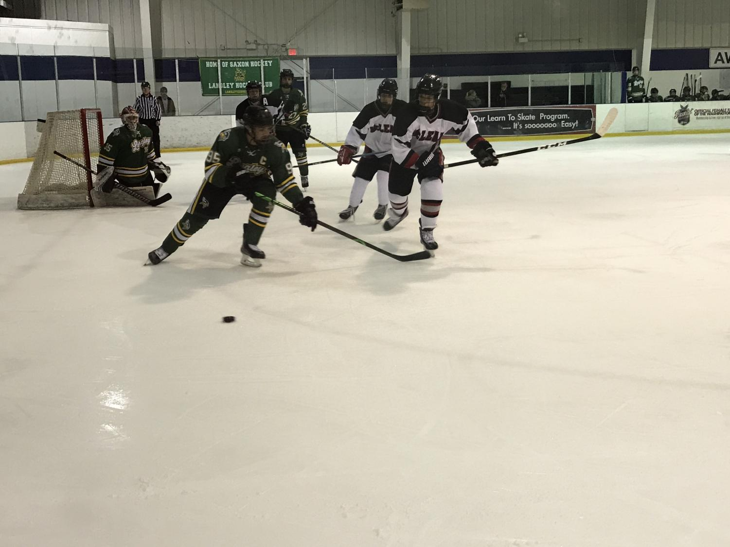 McLean Ice Hockey loses 3-1 to Langley rivals.