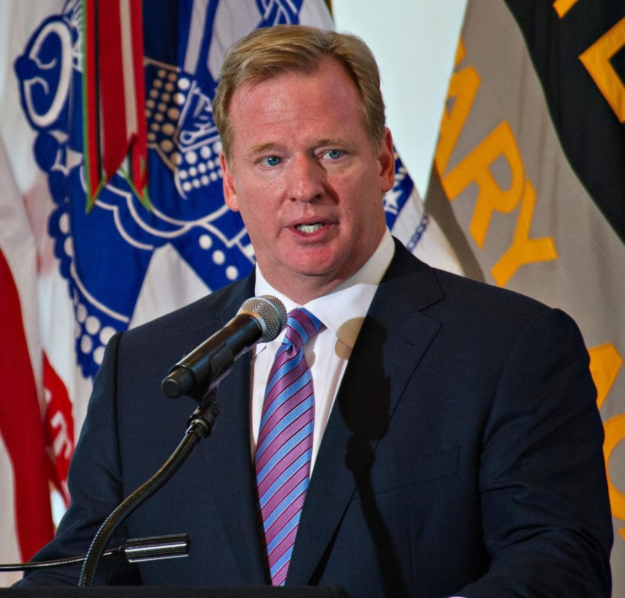 Roger+Goodell%2C+the+NFL%27s+current+commissioner%2C+announced+every+single+draft+pick+in+the+first-ever+virtual+NFL+draft+%28photo+obtained+under+fair+use+via+Creative+Commons+license%29.