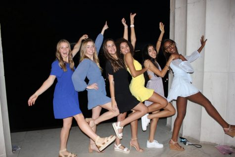 HANDS UP FOR FOCO - Juniors enjoy their night out in D.C.