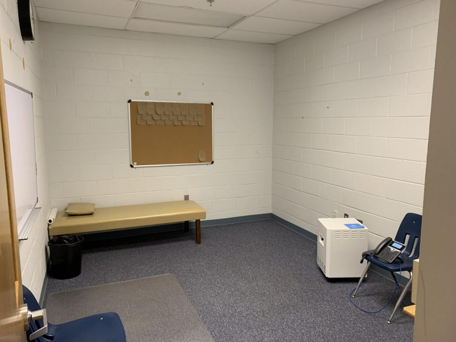 Ready Room — Two isolation rooms have been designated for housing students who have been exposed to COVID-19. The rooms contain the bare essentials. (Photo by Andy Chung)