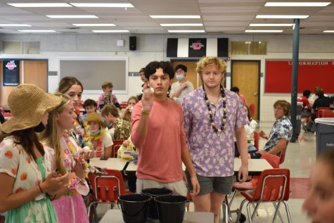 Student-run games at lunch help bring hype to Homecoming Week